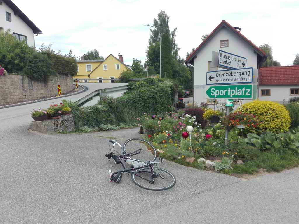 ländlicher Grenzübergang Österreich - Tschechien auf der Fahrradtour nach Polen