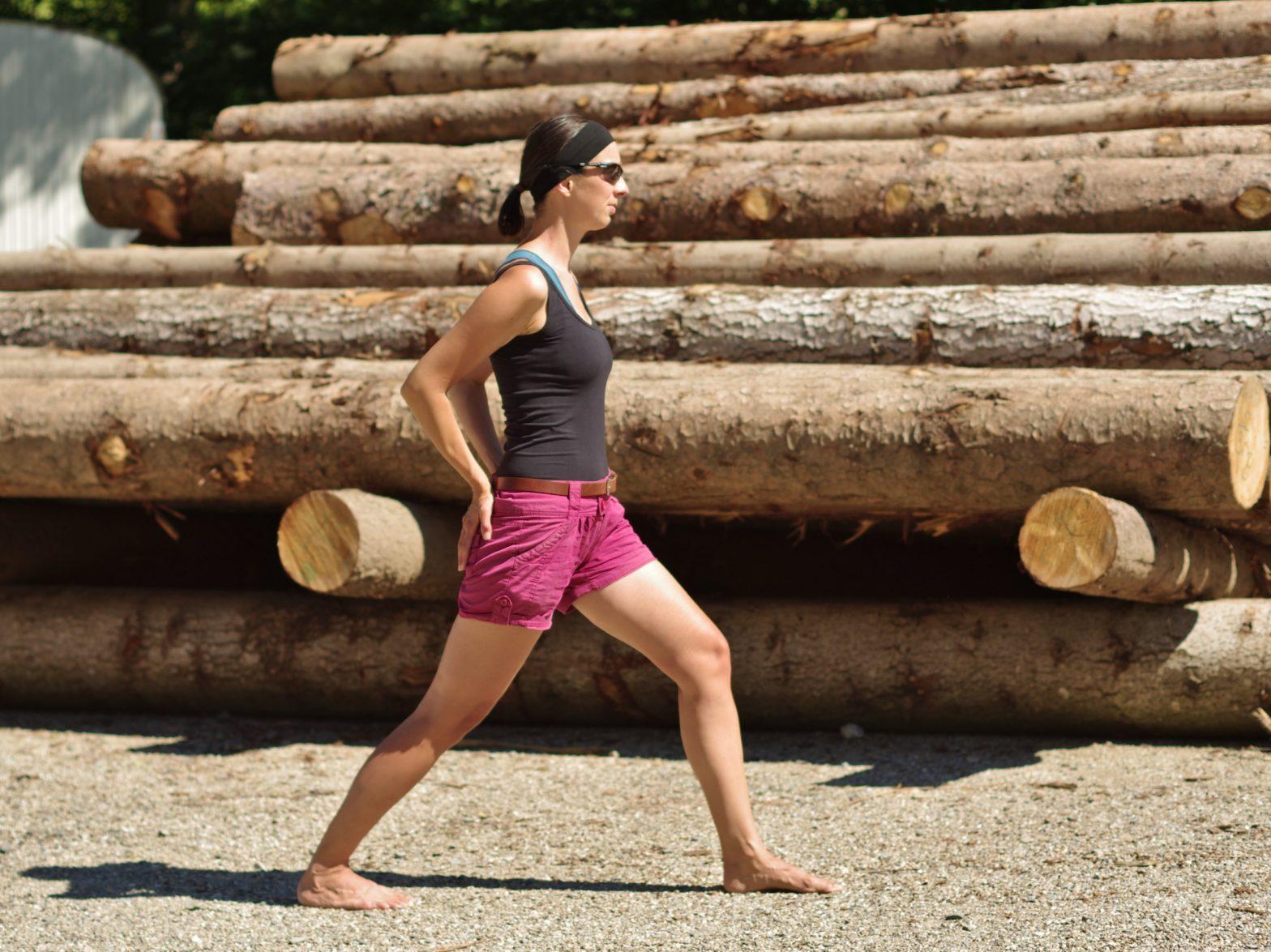 Stretching-Routine beim Vanlife_Dehnung-Hüftbeuger