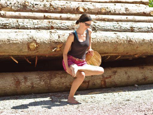 Stretching-Routine beim Vanlife_Dehnung-Hüfte-Gesäß